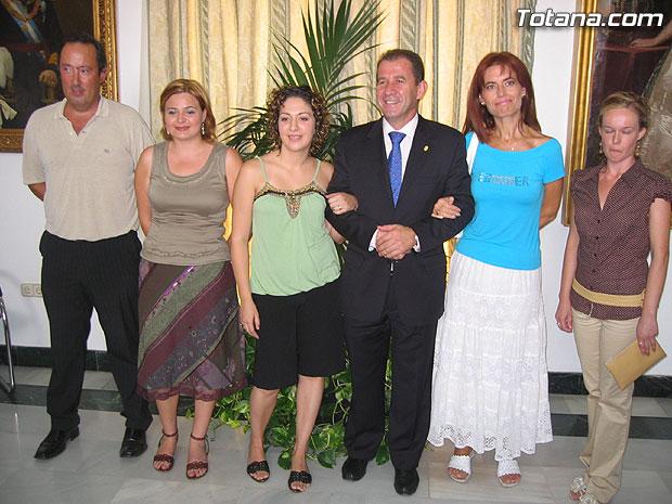 TOMAN POSESI�N CUATRO NUEVAS PROFESORAS DE EDUCACI�N INFANTIL COMO FUNCIONARIOS MUNICIPALES, Foto 1