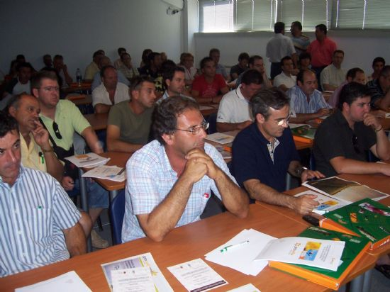 ORGANIZAN VARIOS CURSOS DE FORMACI�N, DIRIGIDOS A EMPRESARIOS AUT�NOMOS Y TRABAJADORES EN ACTIVO (2008), Foto 1