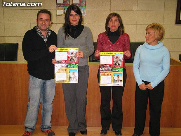 """LAS ACTIVIDADES PROGRAMADAS CON MOTIVO DEL """"III FESTIVAL FOLKLÓRICO DE TOTANA"""", QUE ACOGERÁ LA ACTUACIÓN DE SEIS GRUPOS DE CANTE Y BAILE, SE CELEBRARÁN EL 1 DE DICIEMBRE EN EL CINE VELASCO (2007), Foto 1"""