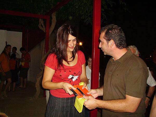 REPARTIRÁN MÁS DE 1.000 ALMOHADILLAS PARA ACOMODAR A LOS VECINOS EN LA SEMANA DEL TEATRO (2008), Foto 3