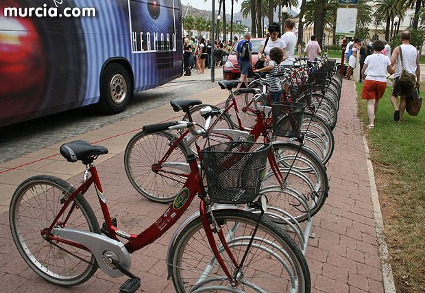 La Consejer�a de Desarrollo Sostenible concede ayudas a cuatro ayuntamientos para implantar sistemas de pr�stamo de bicicletas, Foto 1