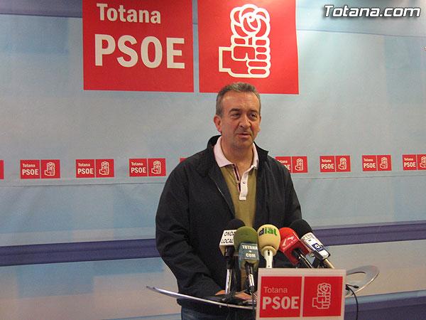 EL PSOE OFRECIÓ UNA RUEDA DE PRENSA PARA INFORMAR DE LOS PUNTOS MÁS IMPORTANTES DE SU PROGRAMA ELECTORAL EN MATERIA DE EDUCACIÓN, Foto 1