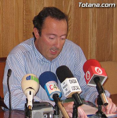 Roque Molina Legaz, Concejal de Personal del Ayuntamiento de Totana ha hecho p�blico un comunicado en relaci�n a las acusaciones vertidas contra �l., Foto 1