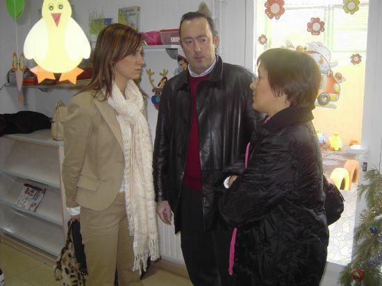 LOS CONCEJALES DE EDUCACIÓN E INFANCIA VISITAN LAS FIESTAS DE NAVIDAD DE LAS ESCUELAS INFANTILES DE TOTANA, Foto 4
