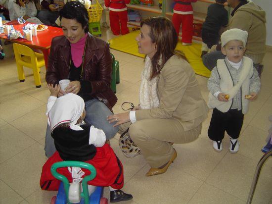 LOS CONCEJALES DE EDUCACIÓN E INFANCIA VISITAN LAS FIESTAS DE NAVIDAD DE LAS ESCUELAS INFANTILES DE TOTANA, Foto 5