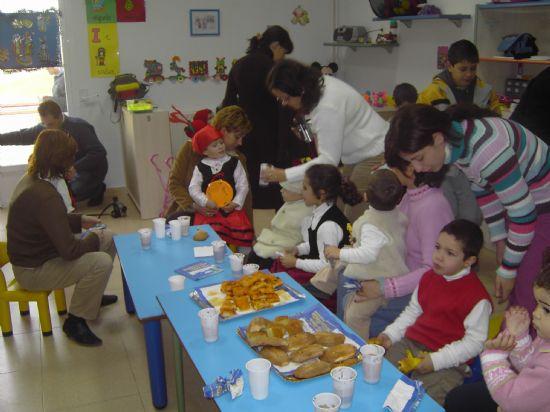LOS CONCEJALES DE EDUCACIÓN E INFANCIA VISITAN LAS FIESTAS DE NAVIDAD DE LAS ESCUELAS INFANTILES DE TOTANA, Foto 7