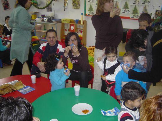 LOS CONCEJALES DE EDUCACIÓN E INFANCIA VISITAN LAS FIESTAS DE NAVIDAD DE LAS ESCUELAS INFANTILES DE TOTANA, Foto 8