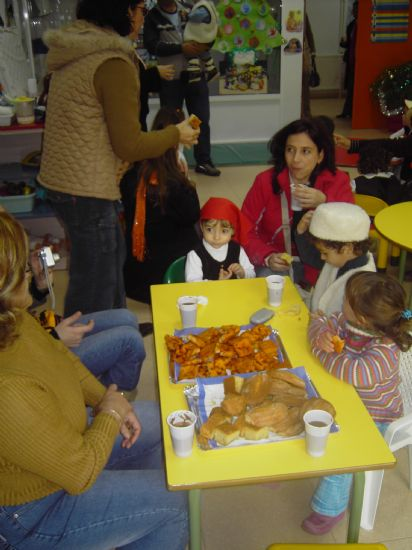 LOS CONCEJALES DE EDUCACIÓN E INFANCIA VISITAN LAS FIESTAS DE NAVIDAD DE LAS ESCUELAS INFANTILES DE TOTANA, Foto 9