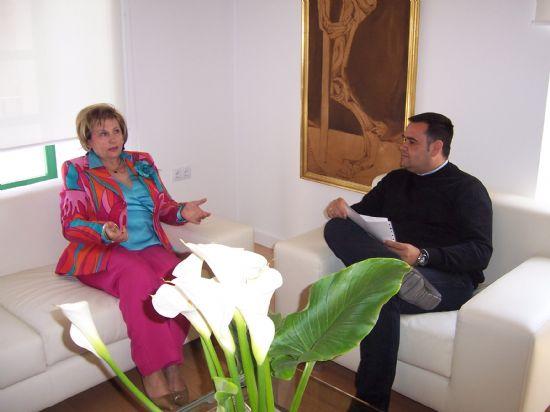 EL ALCALDE SE RE�NE CON LA DEFENSORA DEL VECINO PARA ABORDAR ASUNTOS DE SEGURIDAD CIUDADANA Y VIOLENCIA DE G�NERO (2008), Foto 1
