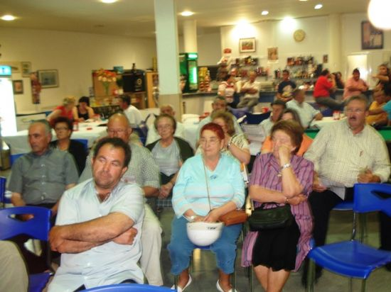 LOS CANDIDATOS DE IU + LOS VERDES EXPLICARON EN EL CENTRO SOCIAL DEL PARETÓN SU PROGRAMA DE GOBIERNO, Foto 3