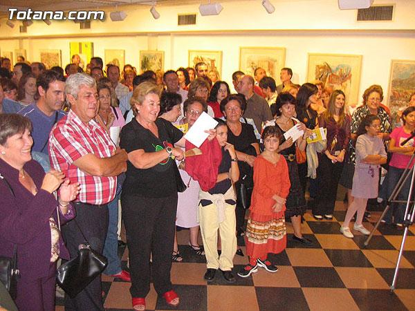 """MÁS DE 300 PERSONAS ASISTEN AL ACTO DE INAUGURACIÓN DE LA EXPOSICIÓN DE CORTÉS ABELLÁN """"HASTA QUE LLEGUE EL OTOÑO"""" EN LA SALA """"GREGORIO CEBRIÁN, Foto 5"""
