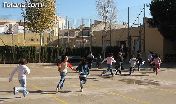 SIMULACRO DE EVACUACI�N DE INCENDIO EN EL COLEGIO SANTIAGO DE TOTANA, Foto 2