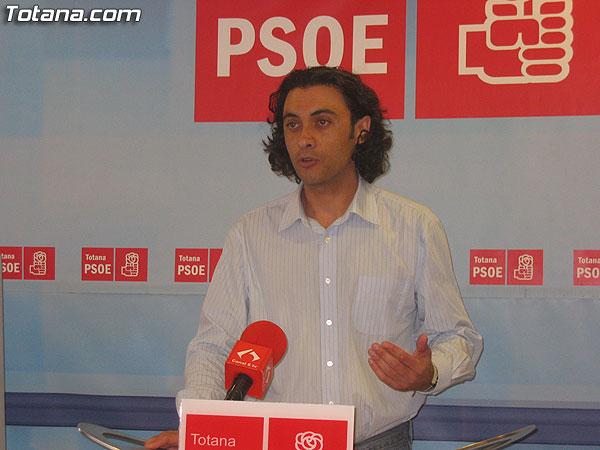 EL PSOE OFRECIÓ UNA RUEDA DE PRENSA PARA INFORMAR SOBRE LA LEY DEL ESTATUTO DEL TRABAJADOR AUTÓNOMO, Foto 1