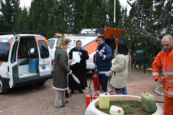 VOLUNTARIOS PROTECCIÓN CIVIL DE TOTANA IMPARTEN CHARLAS SOBRE ACTUACIONES EN SITUACIONES DE RIESGO EN EL COLEGIO PÚBLICO DE ALEDO , Foto 2