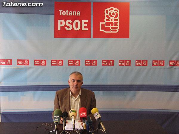 EL PSOE HACE UNA VALORACI�N MUY POSITIVA DE LA CONCENTRACI�N CIUDADANA CONTRA EL PLAN GENERAL DE URBANISMO, Foto 1