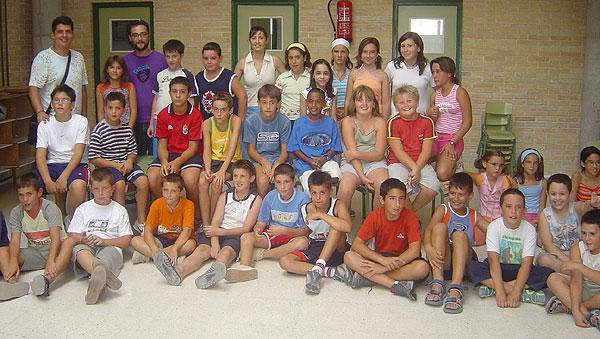 MÁS 170 NIÑOS PARTICIPAN EN LAS ESCUELAS DE VERANO, EN LOS COLEGIOS TIERNO GALVÁN, SANTIAGO Y REINA SOFÍA, Foto 1