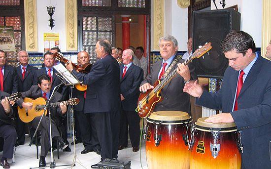 El grupo Amigos de la habanera present� su segundo disco, Foto 2