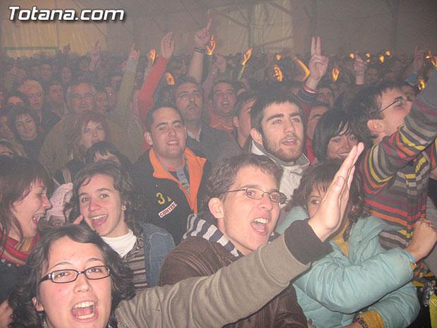 """MÁS DE 2.000 PERSONAS ASISTEN AL CONCIERTO DE """"LA OREJA DE VAN GOGH"""", EL MÁS MULTITUDINARIO DE ESTAS FIESTAS DE SANTA EULALIA 2006, Foto 2"""