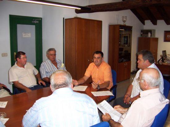LAS ORGANIZACIONES Y ASOCIACIONES DE GANADEROS FIRMAR�N UN CONVENIO DE COLABORACI�N CON EL AYUNTAMIENTO DE TOTANA PARA LA REGULARIZACI�N Y ADECUACI�N AMBIENTAL DE LAS EXPLOTACIONES DE ESTE SECTOR (2007), Foto 1