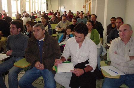DOSCIENTOS ASISTENTES EN LORCA AL ENCUENTRO DE CARGOS P�BLICOS DE IU, Foto 2
