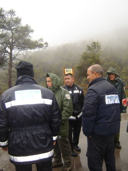 VOLUNTARIOS DE PROTECCIÓN CIVIL HALLAN AL HOMBRE QUE SE PERDIÓ EN SIERRA ESPUÑA, DONDE PASÓ UNA NOCHE A LA INTEMPERIE, Foto 3