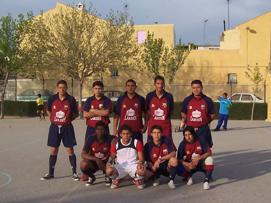 El equipo de fútbol sala patrocinado de la Peña Barcelonista de Totana se proclamó campeón las VI Jornadas Deportivas organizadas por la Asociación Latinoamericana de Inmigrantes Unidos, Foto 2