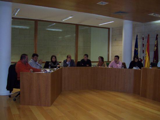 EL AYUNTAMIENTO CREARÁ UN SERVICIO SOCIAL ESPECÍFICO DE ACTUACIÓN EN MATERIA DE VIVIENDA PARA EL ESTUDIO DE LAS CONDICIONES DE ALOJAMIENTO DE LAS PERSONAS INMIGRANTES EN LA LOCALIDAD (2007), Foto 1