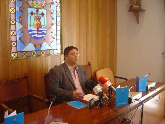 EL CONCEJAL DE PARTICIPACIÓN CIUDADANA PRESENTA LAS MODIFICACIONES INCORPORADAS AL REGLAMENTO MUNICIPAL EN ESTA MATERIA, Foto 1