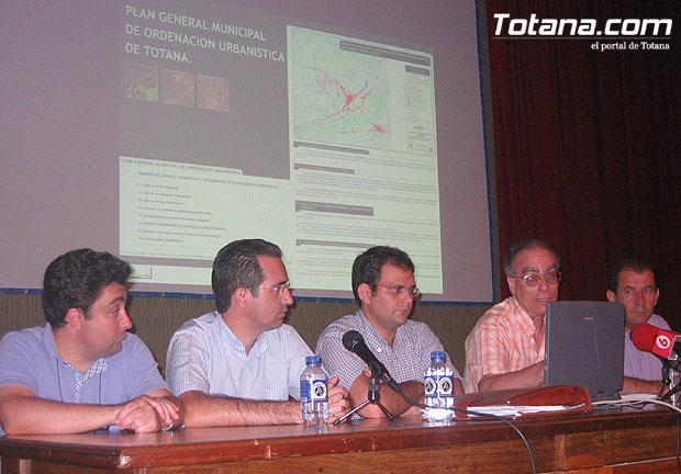 Presentación pública del Plan General Municipal de Ordenación Urbanística (PGOUM) de Totana , Foto 1