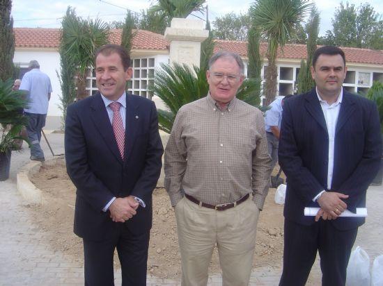 AYUNTAMIENTO INVIERTE 40.000 EUROS EN LA CONSTRUCCI�N DE 44 FOSAS QUE SOLUCIONAN PROBLEMAS LISTAS DE ESPERA, Foto 3