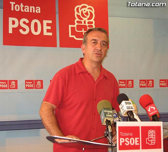 EL PSOE OFRECI� UNA RUEDA DE PRENSA PARA HACER UNA VALORACI�N DEL PLENO DEL PASADO MARTES, Foto 1