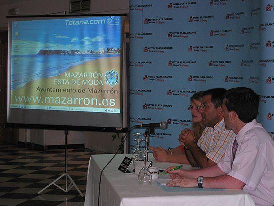 EL ALCALDE DE MAZARR�N  SE RE�NE CON LOS PROFESIONALES DEL TURISMO DE MAZARR�N PARA TRATAR TEMAS DE INTER�S DEL SECTOR, Foto 1