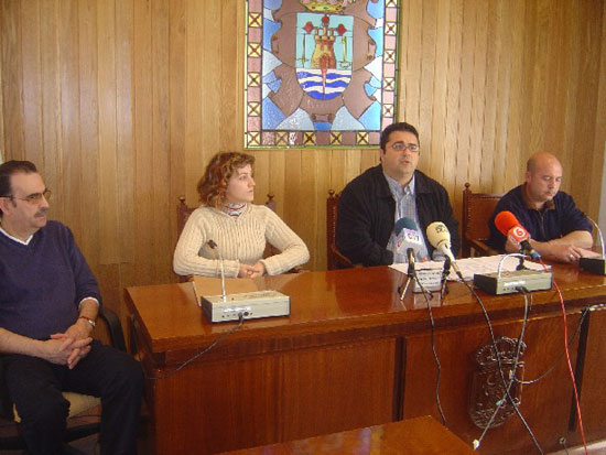 Ayuntamiento suscribe convenios con tres empresas para facilitar la inserci�n laboral de personas con problemas de exclusi�n social, Foto 1