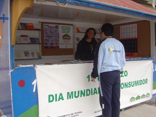 OMIC instala punto m�vil de informaci�n con motivo d�a de los derechos del consumidor, Foto 1