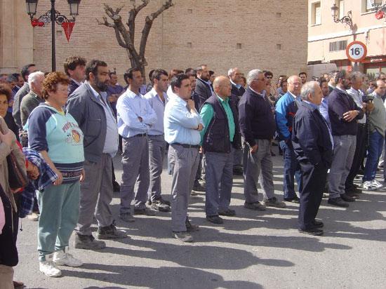Ayuntamiento de Totana convoca a todos los vecinos a una concentraci�n silenciosa como acto de solidaridad con las v�ctimas del atentado terrorista perpetrado en Madrid , Foto 2