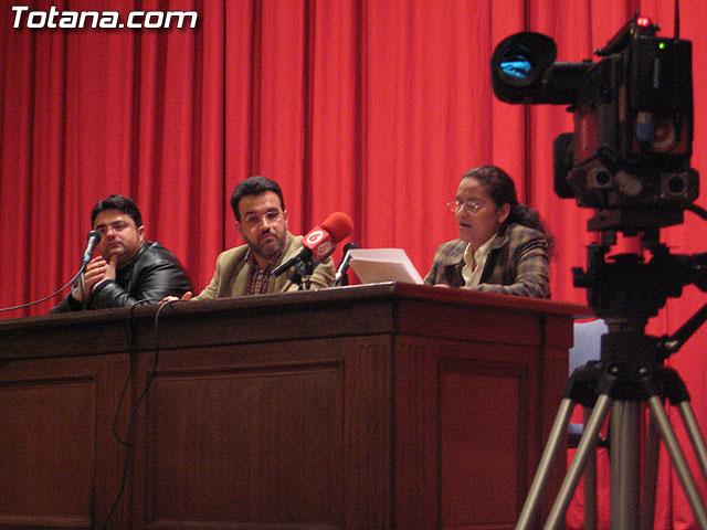 LA ASOCIACIÓN DE SOLIDARIDAD CON EL INMIGRANTE MURCIA ACOGE  PRESENTÓ EL LIBRO INMENSO ESTRECHO. CUENTOS SOBRE INMIGRACIÓN CUYOS BENEFICIOS SERÁN DESTINADOS A RED ACOGE - 9
