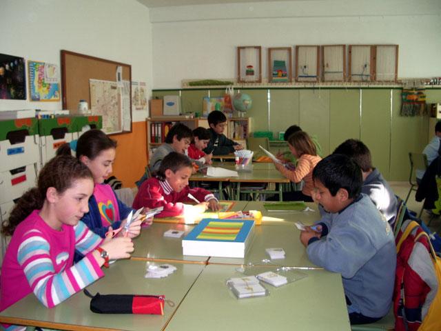 """LA CONCEJALÍA DE EDUCACIÓN FELICITA AL COLEGIO """"TIERNO GALVÁN"""" POR SUS ÉXITOS EN LA CONVOCATORIA DE LOS PREMIOS """"CONSUMÓPOLIS"""" QUE OTORGA LA COMUNIDAD AUTÓNOMA  (2006) - 22"""
