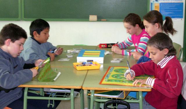 """LA CONCEJALÍA DE EDUCACIÓN FELICITA AL COLEGIO """"TIERNO GALVÁN"""" POR SUS ÉXITOS EN LA CONVOCATORIA DE LOS PREMIOS """"CONSUMÓPOLIS"""" QUE OTORGA LA COMUNIDAD AUTÓNOMA  (2006) - 23"""