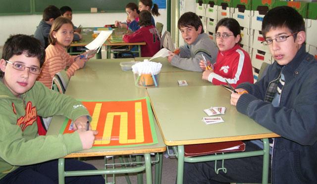 """LA CONCEJALÍA DE EDUCACIÓN FELICITA AL COLEGIO """"TIERNO GALVÁN"""" POR SUS ÉXITOS EN LA CONVOCATORIA DE LOS PREMIOS """"CONSUMÓPOLIS"""" QUE OTORGA LA COMUNIDAD AUTÓNOMA  (2006) - 26"""