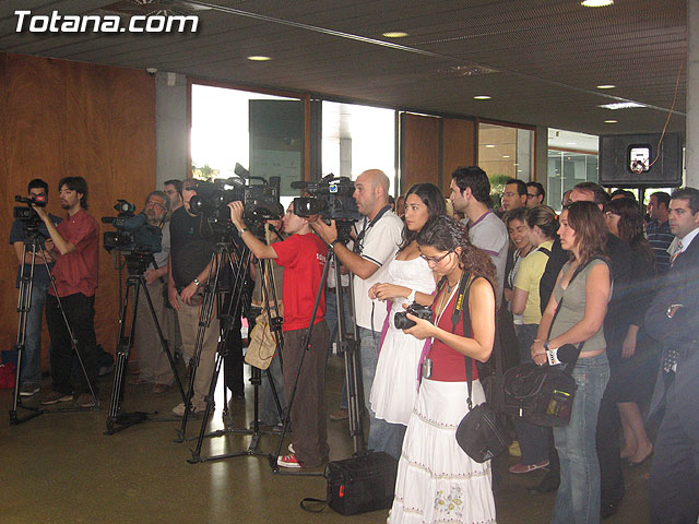 TOTANA.COM ESTUVO PRESENTE EN SICARM 2006, QUE FUE INAUGURADO POR  EL CONSEJERO DE INDUSTRIA Y MEDIO AMBIENTE, BENITO MERCADER Y QUE HA REGISTRADO UN RECORD DE ASISTENCIA - 3