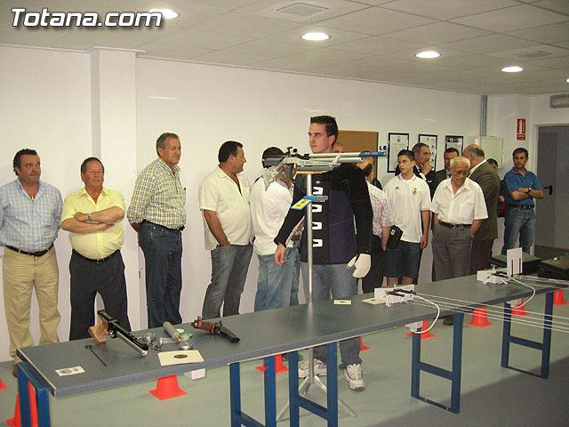 AUTORIDADES LOCALES INAUGURAN UNA GALER�A DE TIRO DE ARMAS NEUM�TICAS EN LOS S�TANOS DE LA PISCINA MUNICIPAL CUBIERTA - 8