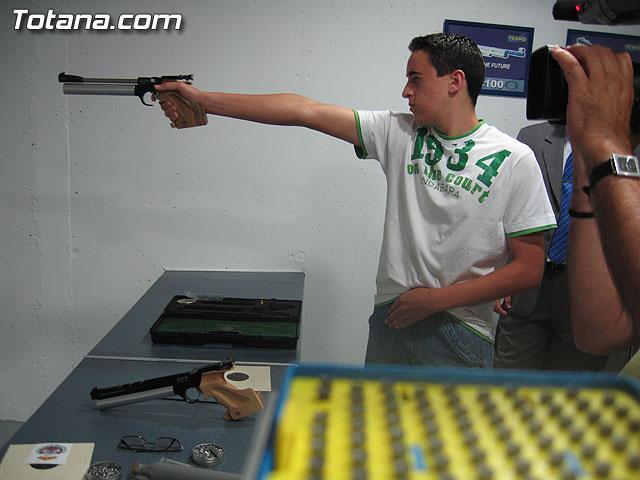 AUTORIDADES LOCALES INAUGURAN UNA GALER�A DE TIRO DE ARMAS NEUM�TICAS EN LOS S�TANOS DE LA PISCINA MUNICIPAL CUBIERTA - 13
