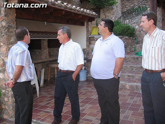 AUTORIDADES LOCALES VISITAN LAS CASAS DE PIEDRA DE TURISMO RURAL EN EL PARAJE DE CAMPIX - 17