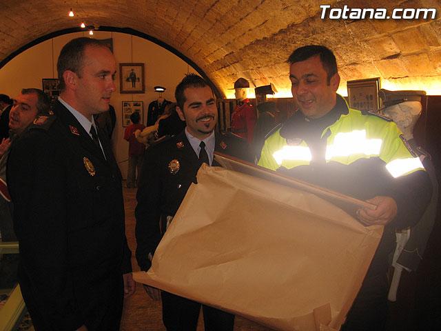 TOTANA.COM Y LA POLICÍA LOCAL DE TOTANA ASISTEN AL ACTO DE INAUGURACIÓN DE LA I EXPOSICIÓN DE MATERIAL POLICIAL DE LA POLICÍA LOCAL DE CIEZA - 48