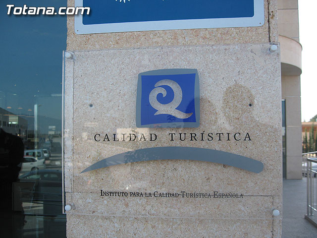 RUIZ ABELLÁN ENTREGÓ LA 'Q' DE CALIDAD TURÍSTICA AL HOTEL 'EXECUTIVE SPORT' DE TOTANA - 19