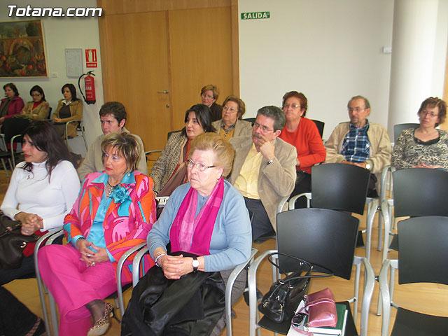 LA DIRECTORA DEL INSTITUTO DE LA MUJER Y LAS AUTORIDADES LOCALES PRESENTAN EL II PLAN DE IGUALDAD DE OPORTUNIDADES (2007/2011) DE TOTANA - 12