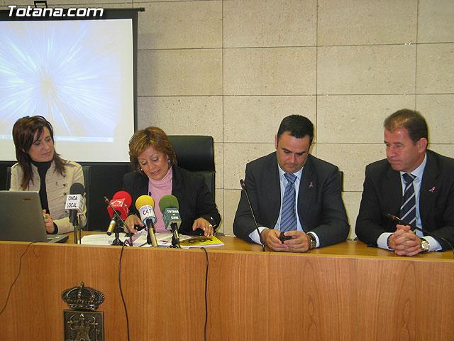 LA DIRECTORA DEL INSTITUTO DE LA MUJER Y LAS AUTORIDADES LOCALES PRESENTAN EL II PLAN DE IGUALDAD DE OPORTUNIDADES (2007/2011) DE TOTANA - 14