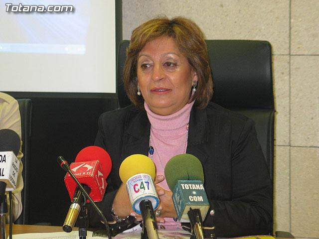 LA DIRECTORA DEL INSTITUTO DE LA MUJER Y LAS AUTORIDADES LOCALES PRESENTAN EL II PLAN DE IGUALDAD DE OPORTUNIDADES (2007/2011) DE TOTANA - 15