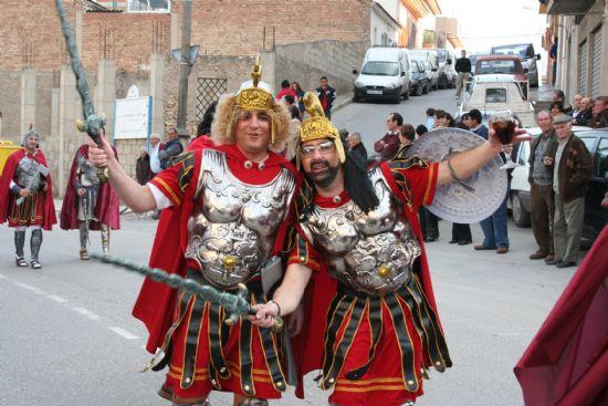 El color y la alegría llenaron las calles de la localidad con el desfile de Carnaval de los adultos, Foto 5