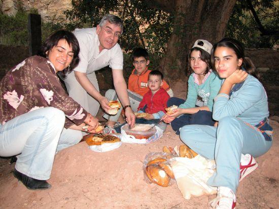 Muchos totaneros disfrutaron del día de San Marcos degustando el tradicional garabazo, Foto 2